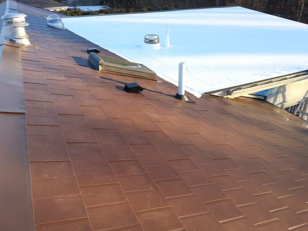 Aluminum Shingles Metal Roof And Rolled Pvc Membrane Flat